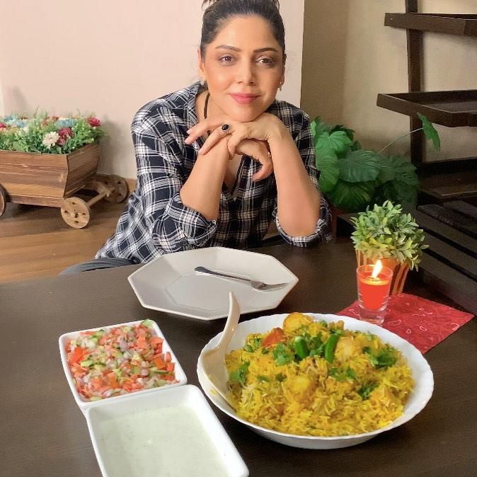 Hadiaqa Kiyani is a Complete Food-Lover - Here is WHY