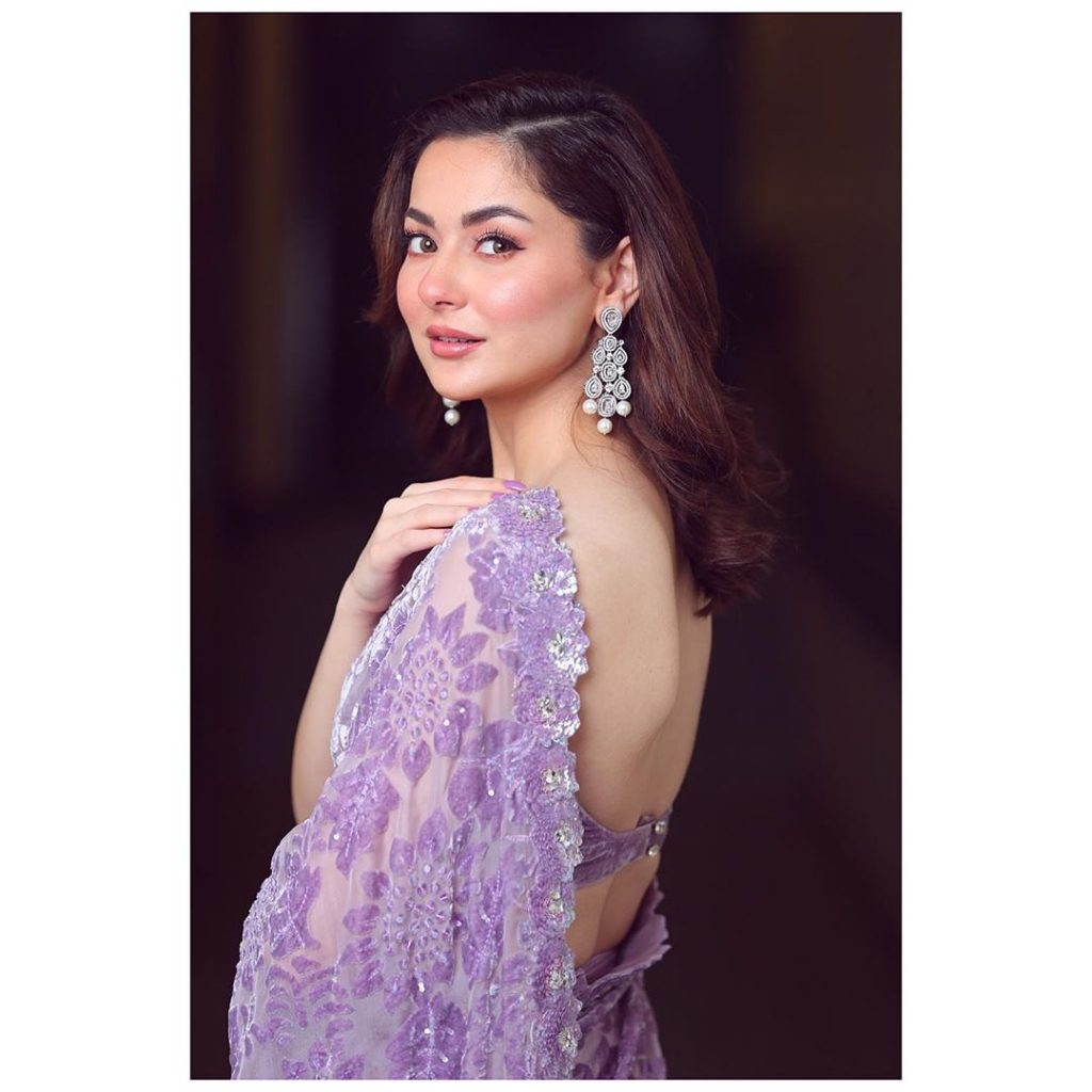 People Think Hania Aamir's Latest Look Is Her Surgery Gone Wrong