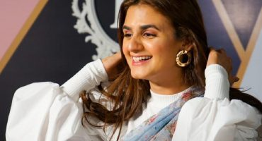 Hira Mani Gives Off A Meaningful Message Through Poetry