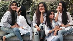 Sanam Baloch And Family - 55 Adorable Photographs