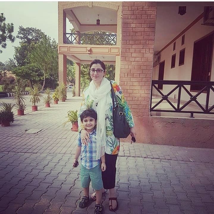 Actor Junaid Khan Latest Pictures with his Beautiful Family