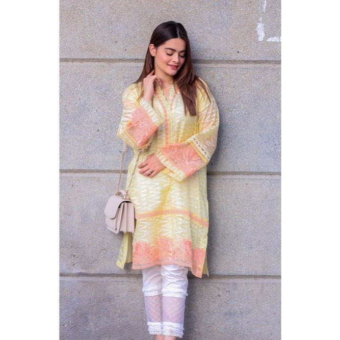 35 Formal Dress-ups of Minal Khan for Your Office Routine