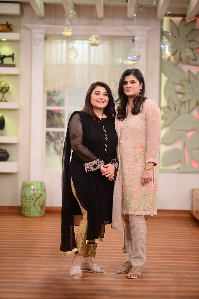 Javeria Saud and Komal Aziz with their Sisters in Nida Yasir Morning Show