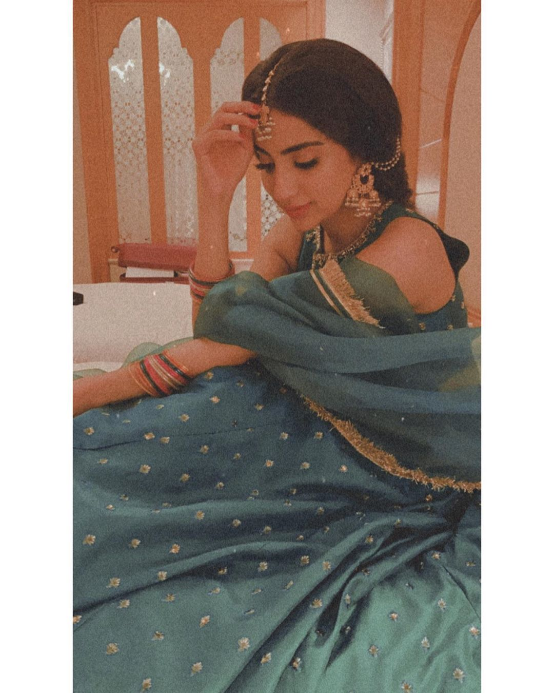 Actress Saboor Ali Shared Beautiful Pictures from Sajal Wedding
