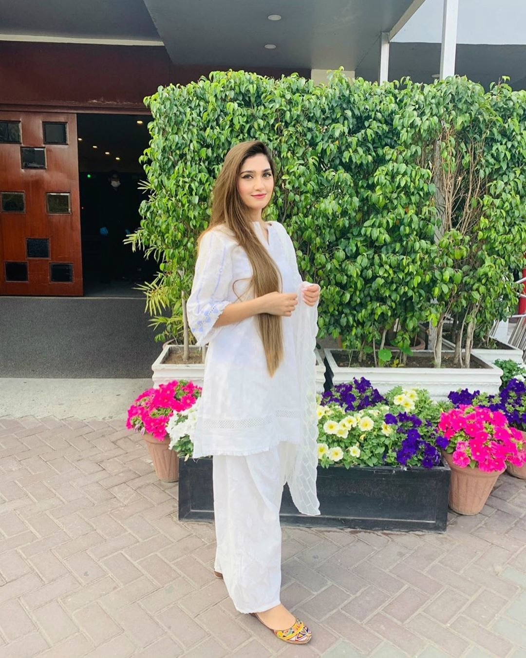 Cricketer Hassan Ali With his Wife Samyah - Latest Pictures