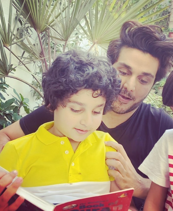 20 Candid Clicks of Ahsan Khan with His Kids
