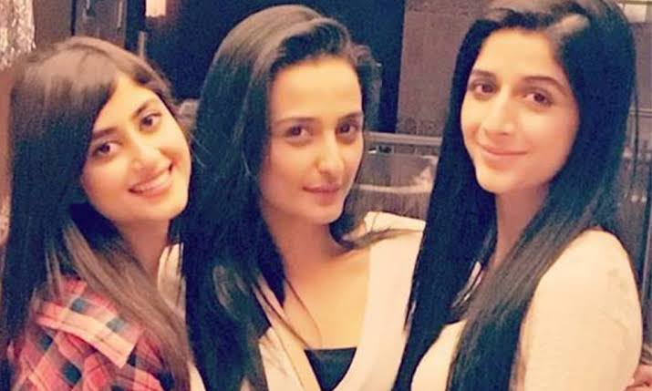 Female Celebrities with Their Female Best Friends at Work!