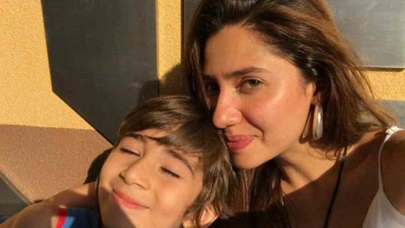 Mahira Khan Sung Something And That's Adorable