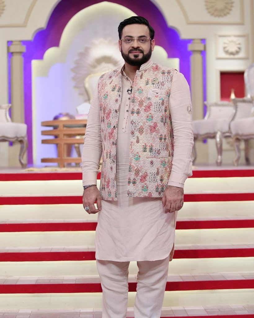 Twitter Calls On PEMRA To Ban Aamir Liaquat
