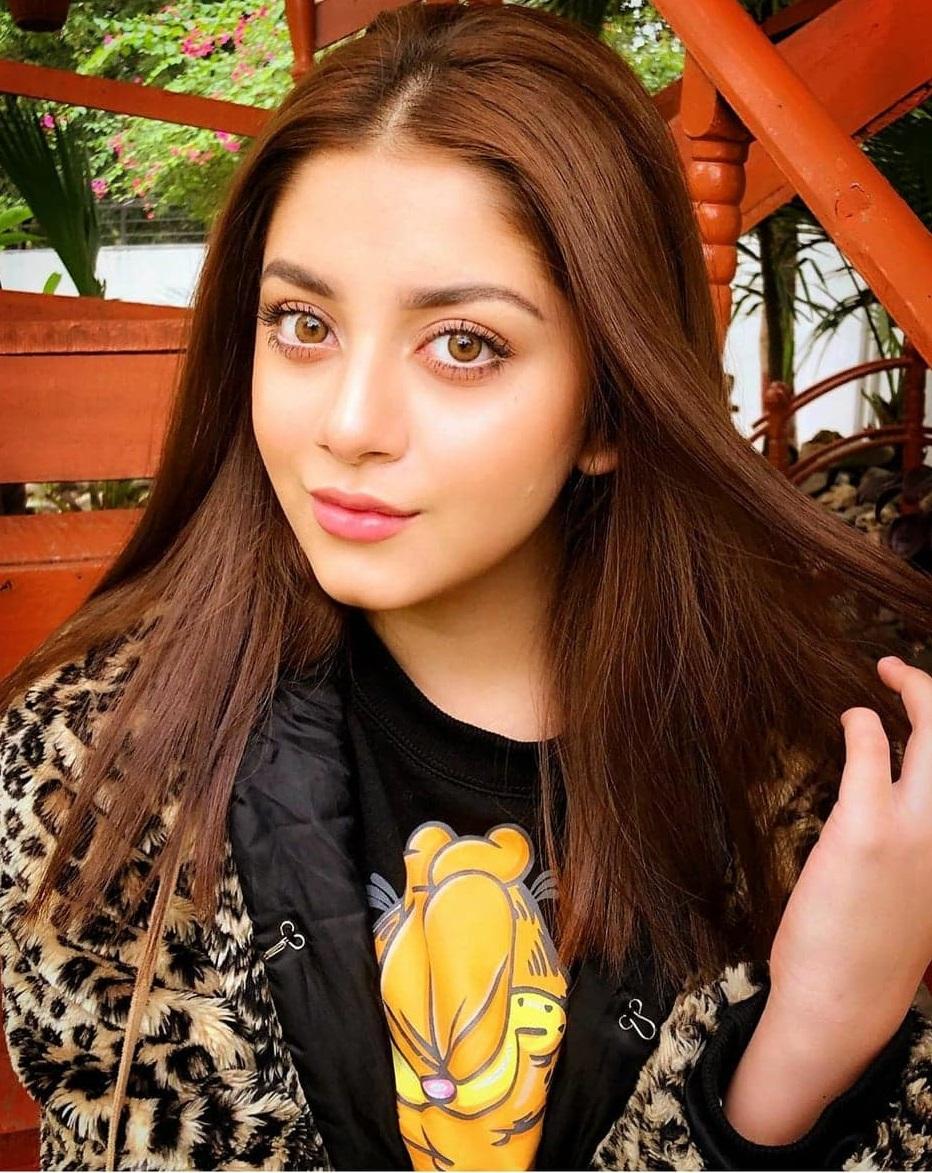 Alizeh Shah 4
