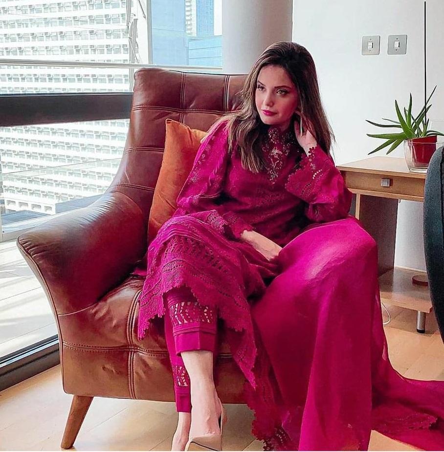 Best EID Dresses Worn By Pakistani Actresses