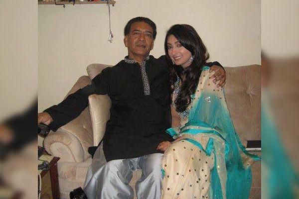 Ayesha Khan father