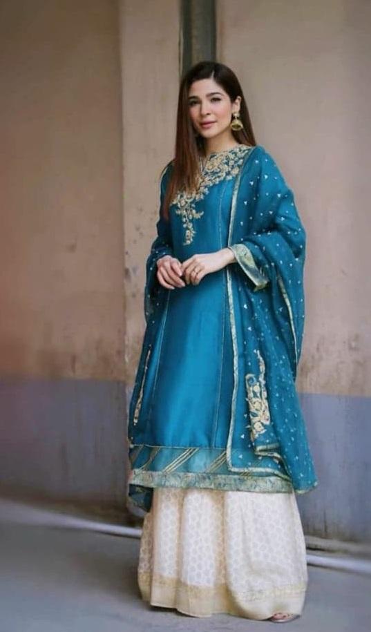 Top 20 Beautiful Dresses Worn By Pakistani Celebrities In Ramadan