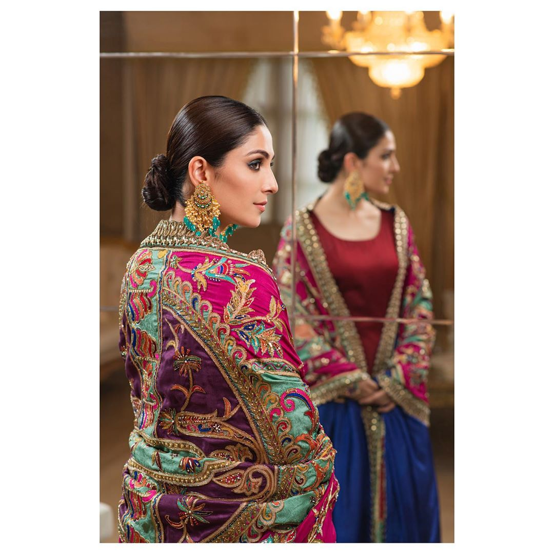 Ayeza Khan is Looking Gorgeous in this Beautiful Colorful Outfit