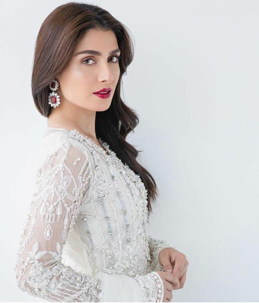 Ayeza Khan 1 5