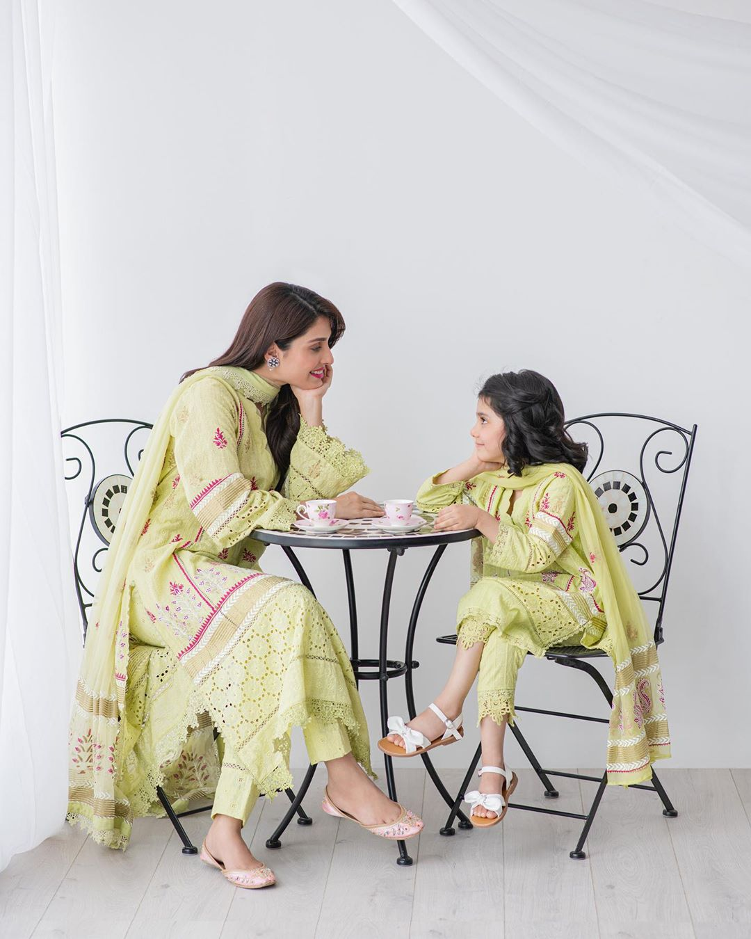 Ayeza Khan 4 4