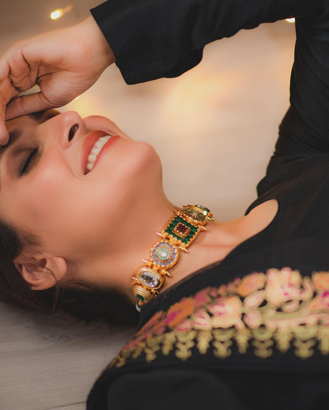 Ayeza Khan Latest Beautiful Pictures in Black Outfit