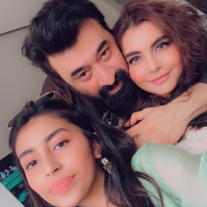 Pakistani Celebrities Pictures from Eid-ul-Fitr 2020 – Day1 – Part2