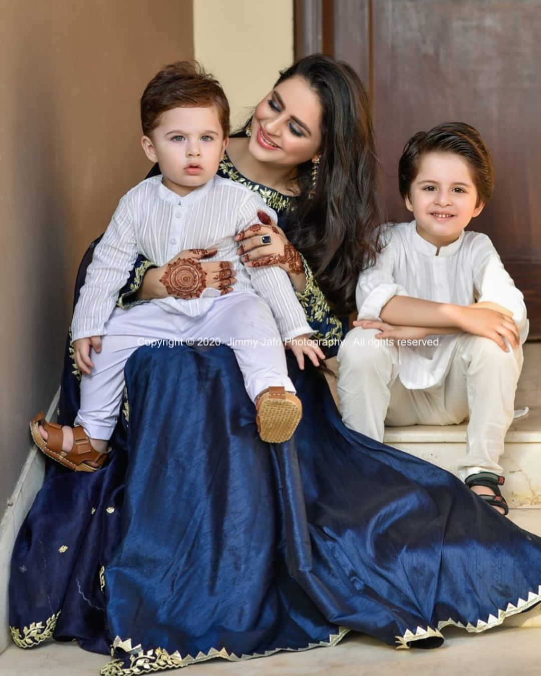 Fatima Effendi and Kanwar Arsalan Eid Pictures with Kids 1