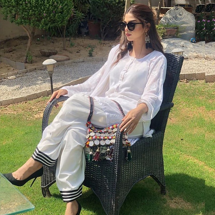 Friday Look Pictures of Beautiful Pakistani Celebrities