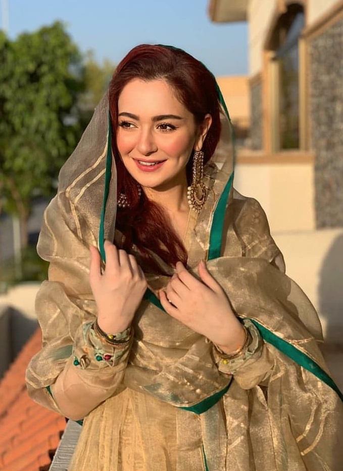 Hania Amir 3