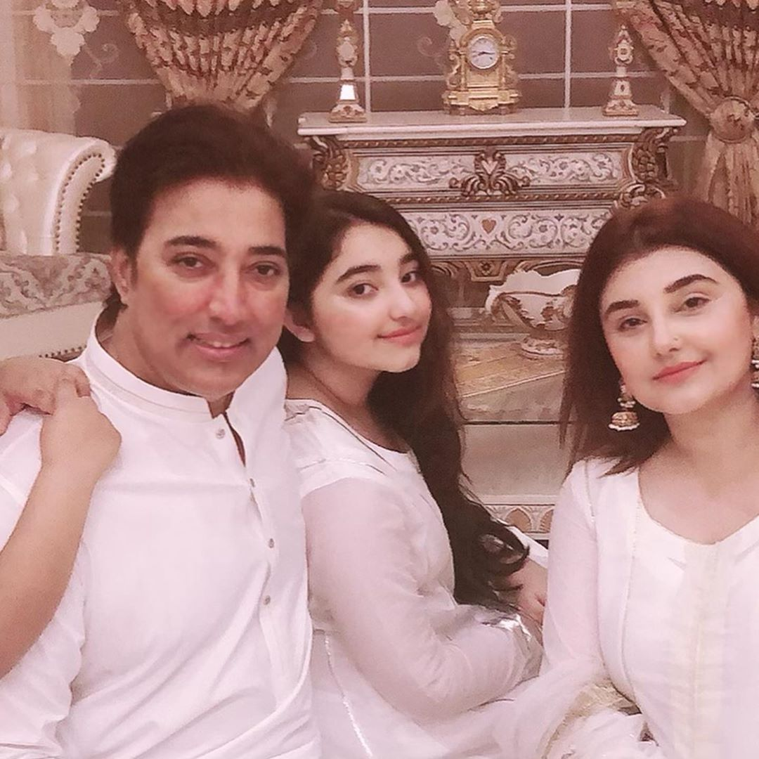 Javeria and Saud Beautiful Eid Pictures with Family