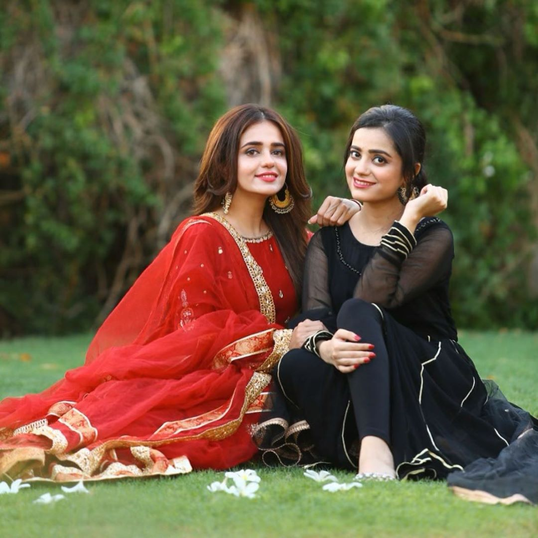 Sumbul Iqbal Latest Beautiful Pictures with her Sister Kompal Iqbal