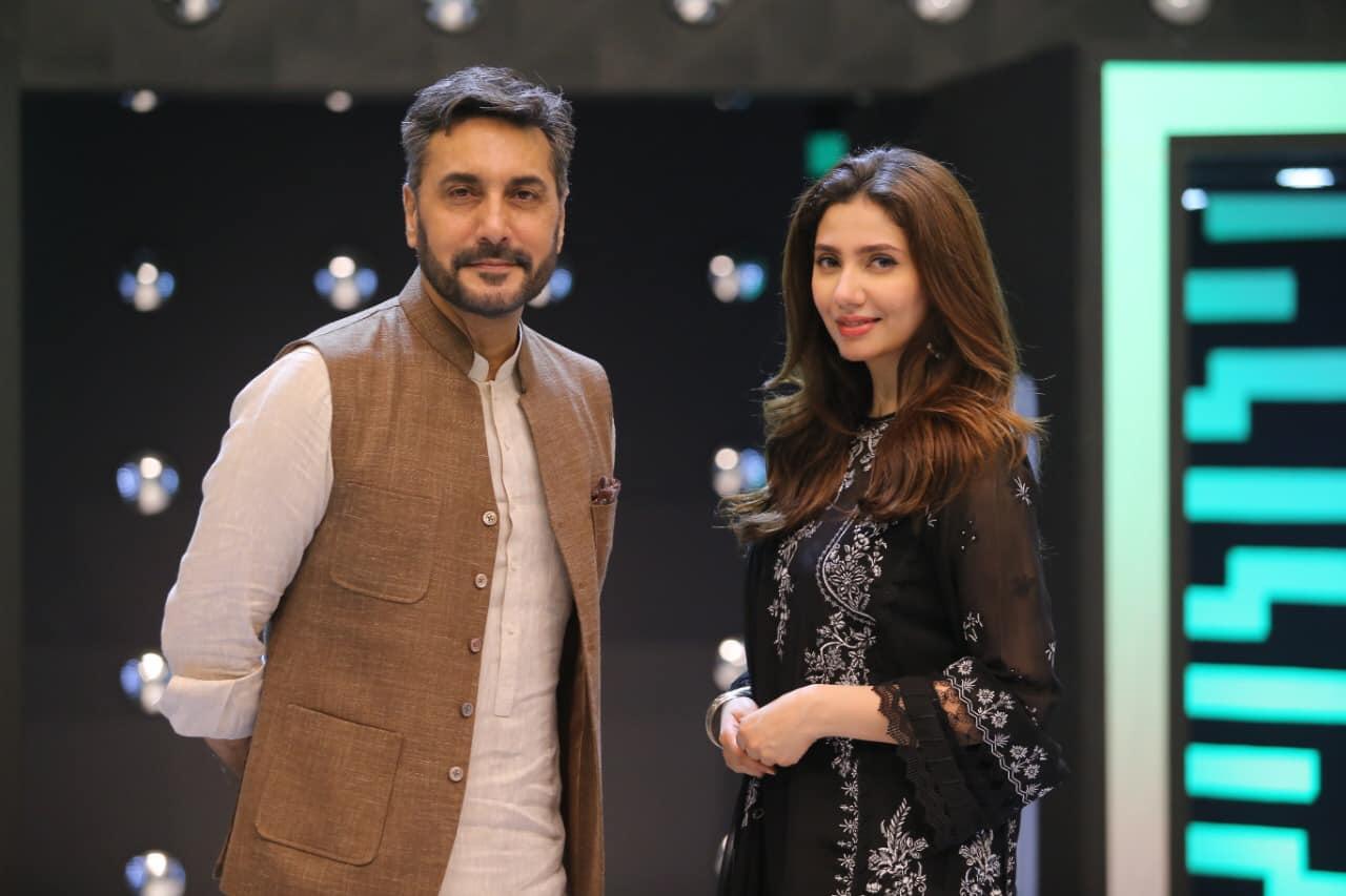 Gorgeous Mahira Khan Spotted at Jeeto Pakistan League