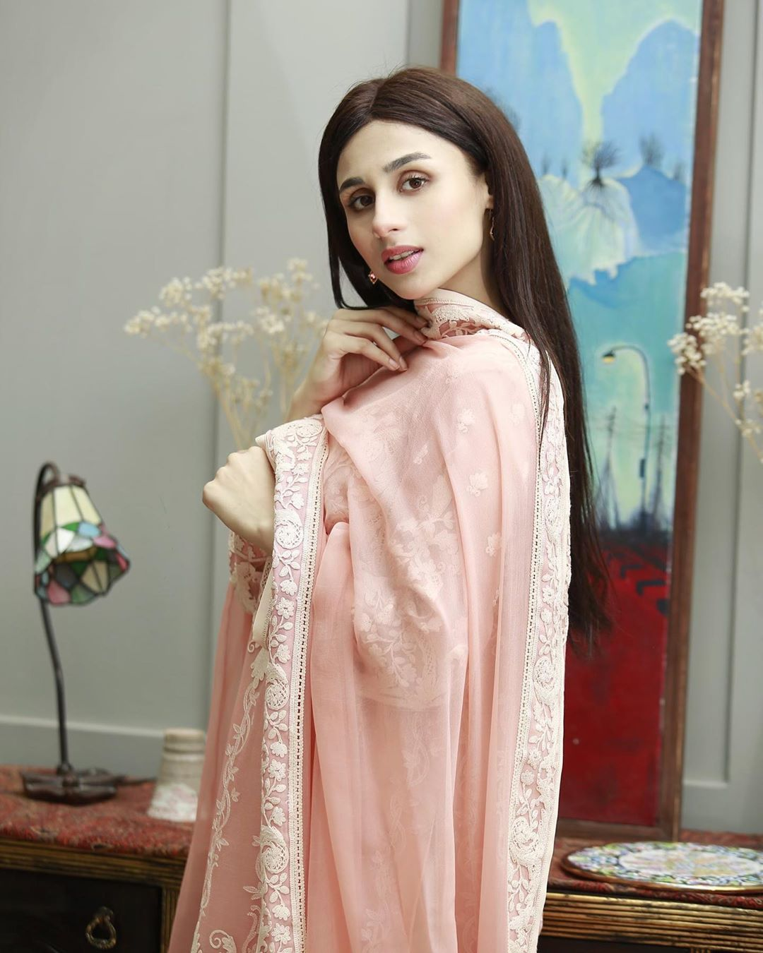 Mashal Khan Beautiful Pictures from iftaar transmission hosted by Ahsan Khan