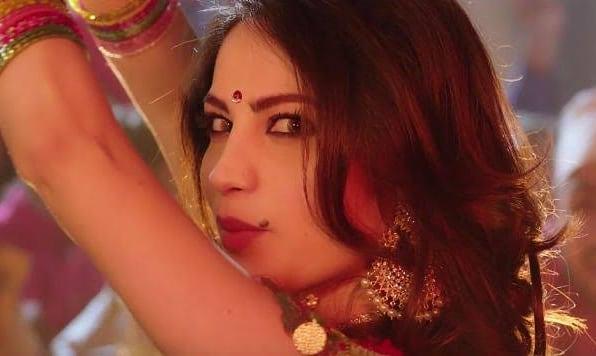 Neelum Muneer's Sizzling Dance Moves