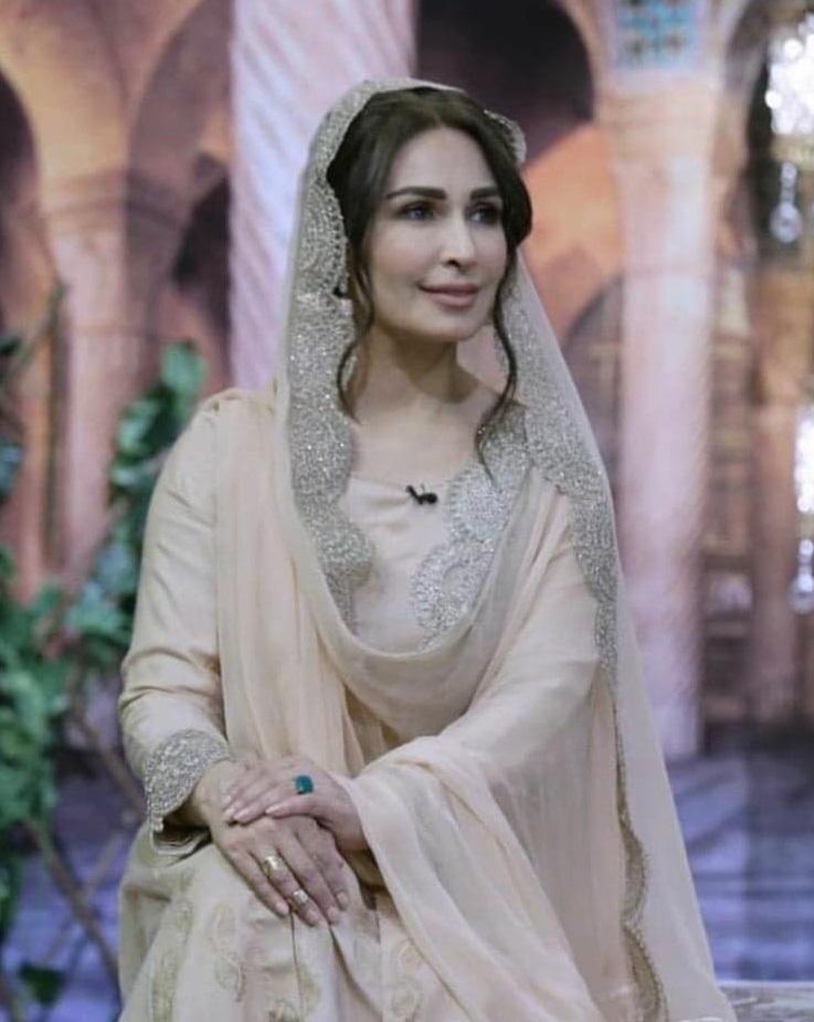 Reema Khan 4