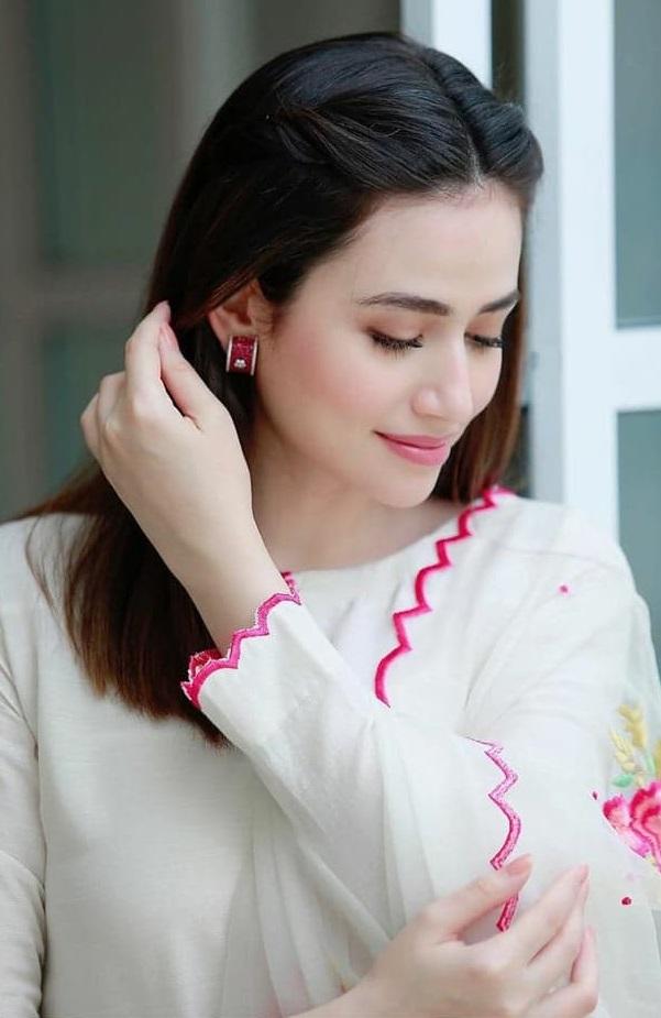 Sana Javed 3 1
