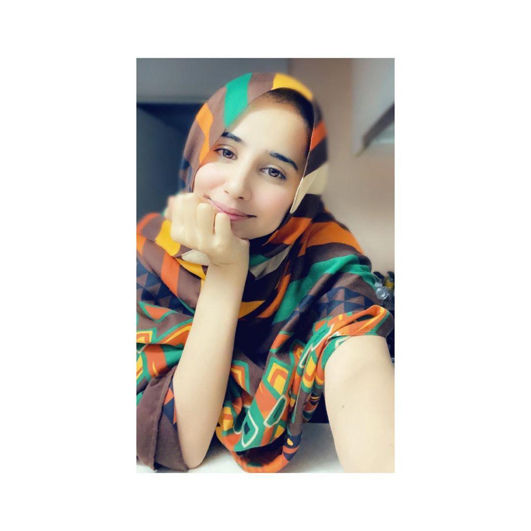 Saniya Shamshad Latest Random Beautiful Clicks