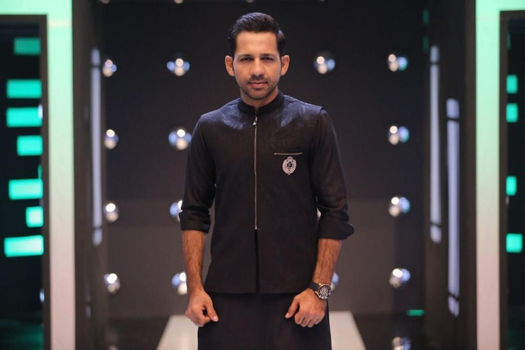 Sarfaraz Ahmed Recites Beautiful Naat 27