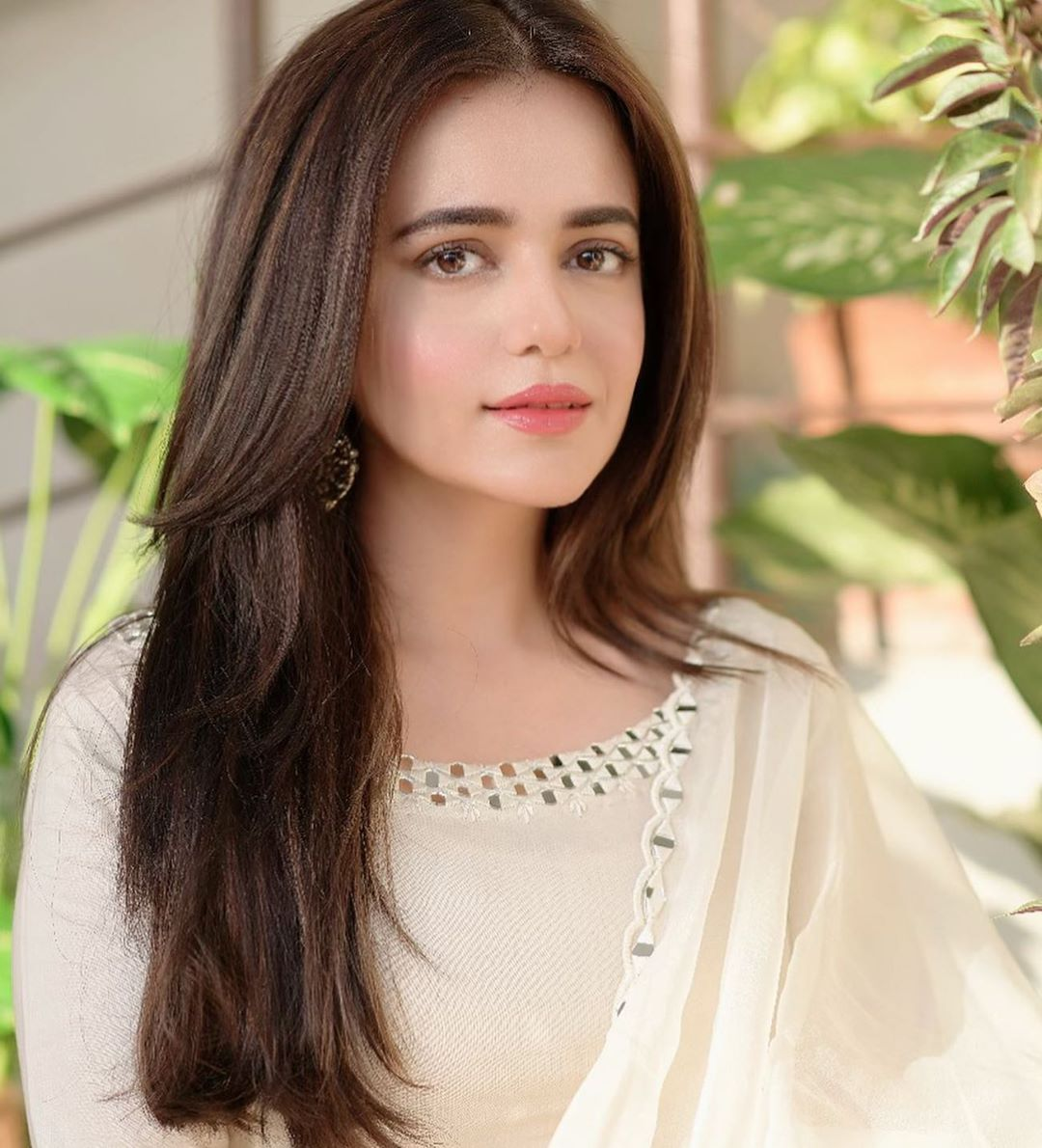 Sumbul Iqbal Latest Beautiful Pictures in off White Outfit