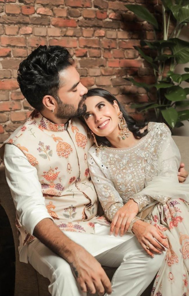 Yasir Hussain and Iqra Aziz looking adorable in this recent shoot