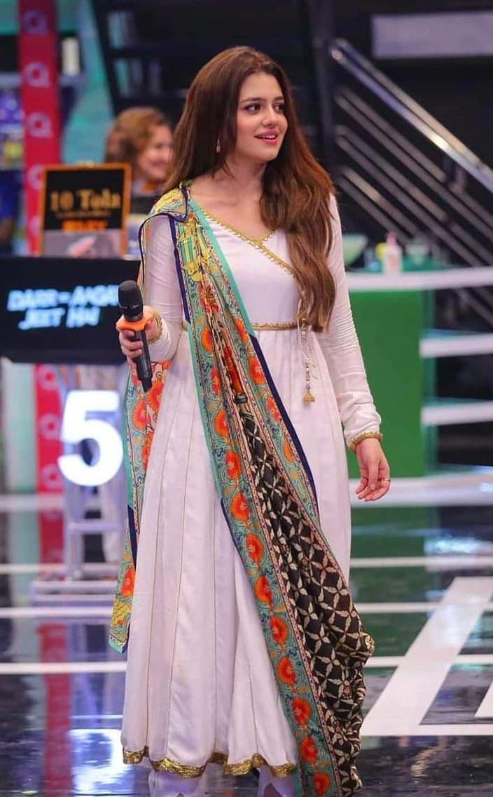 Zara Noor Abbas 2