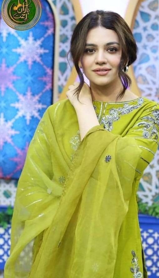 Zara Noor Abbas 8
