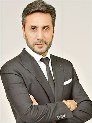 Adnan Siddiqui's Reply To A Viral Video