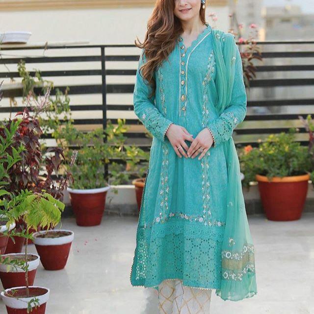 Aiman Khan Looking Gorgeous in Green & Teal Dress