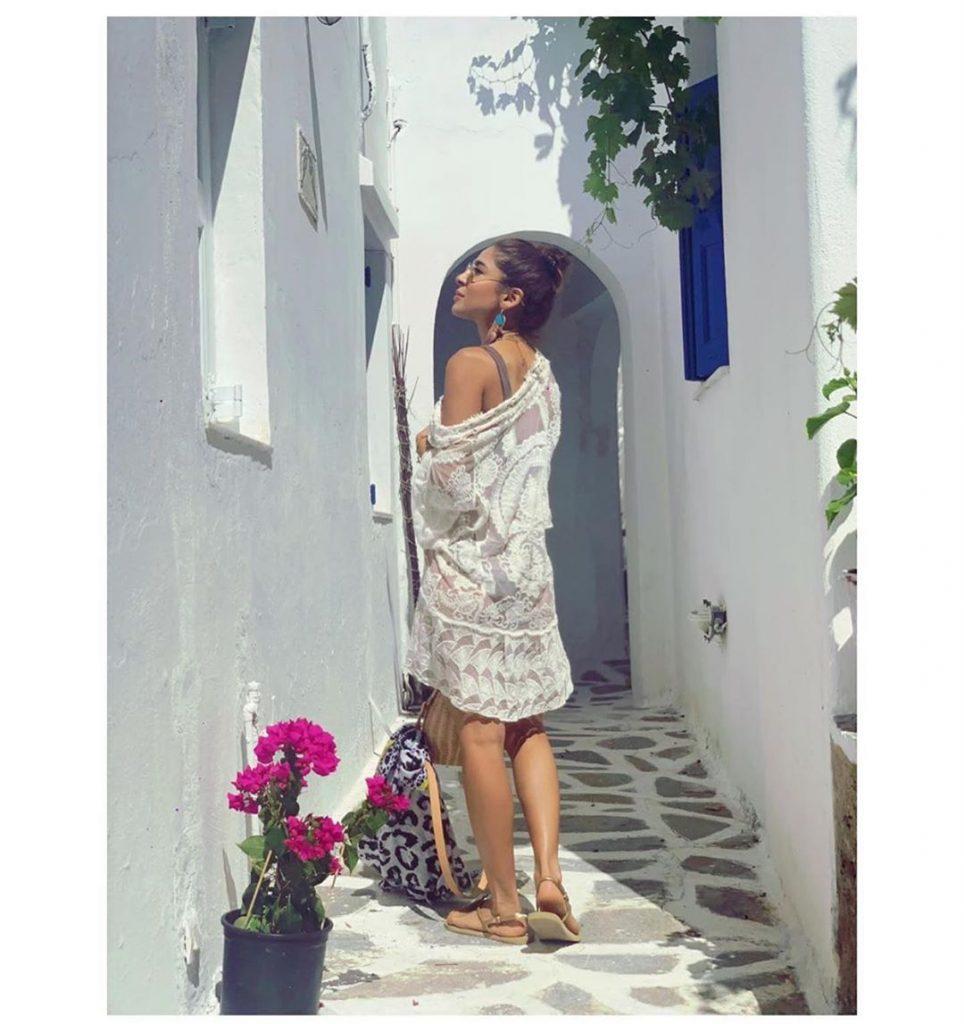 Stylish Outfits of Ayesha Omar