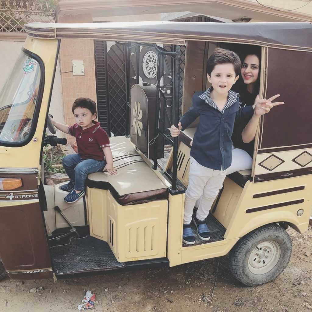 Cute Pictures of Fatima Effendi with Her Kids