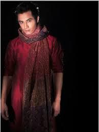 Rare Pictures of Ali Zafar in Eastern Dresses
