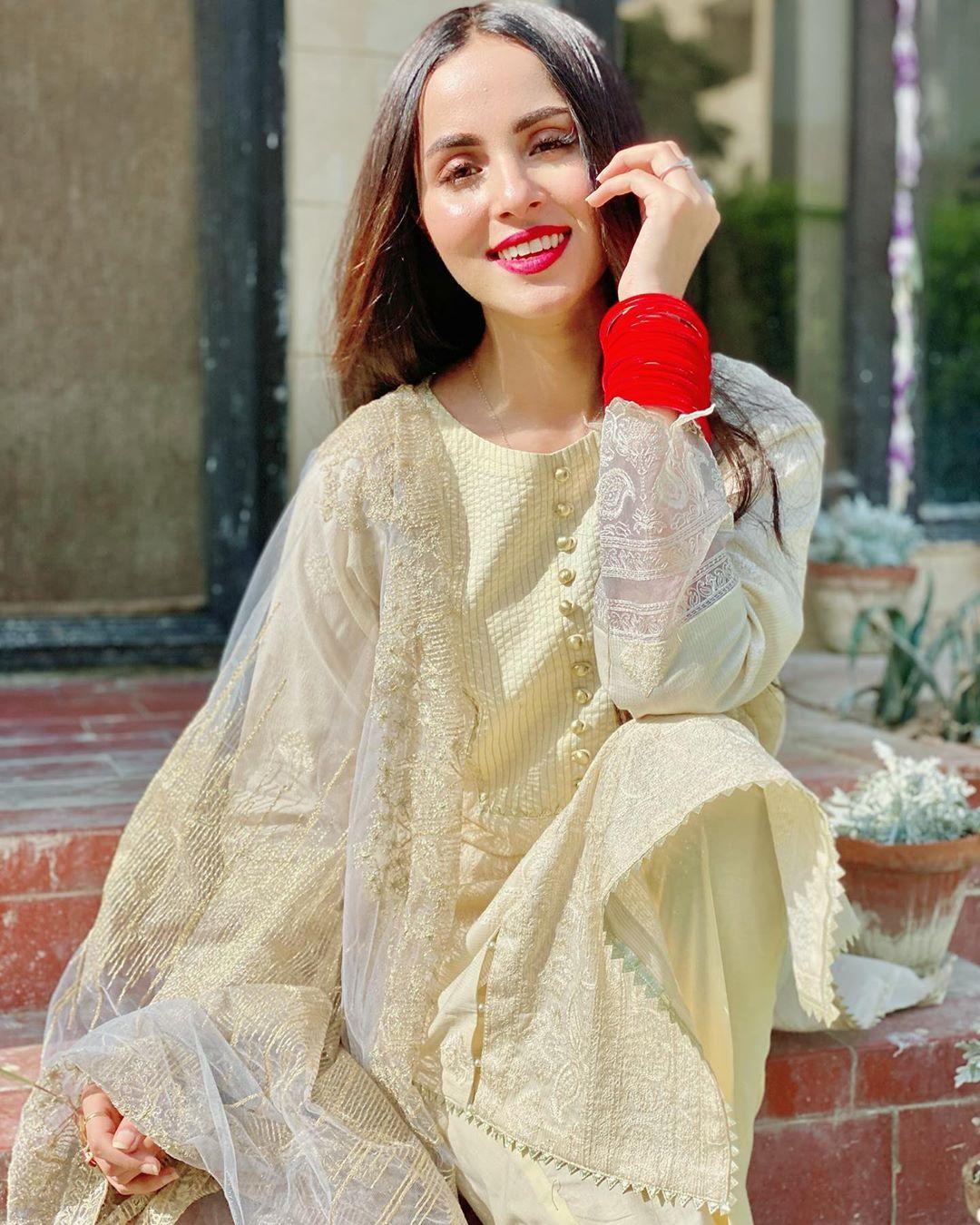 Nimra Khan Latest Adorable Photos with her Husband