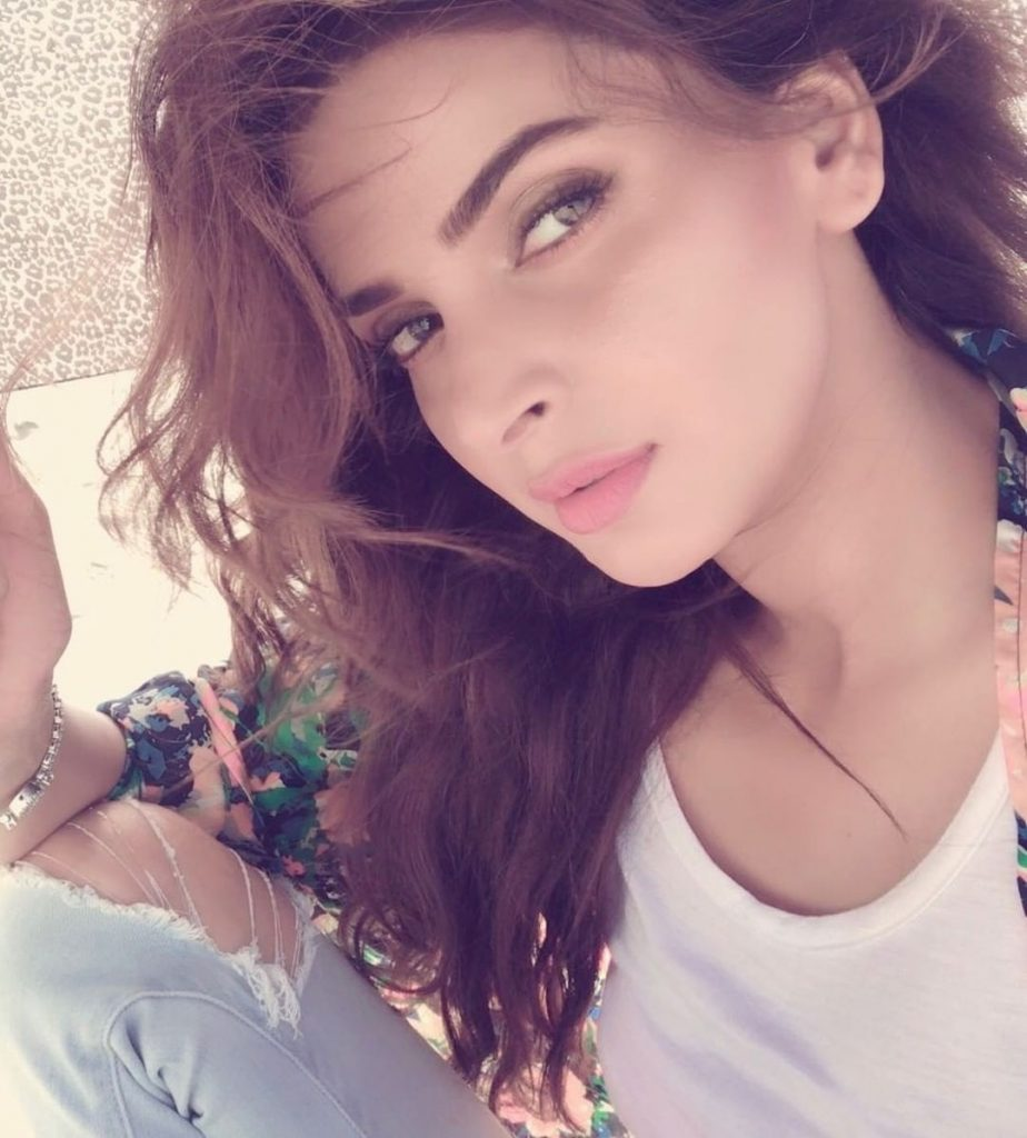 Saba Qamar is all About – Style and Boldness