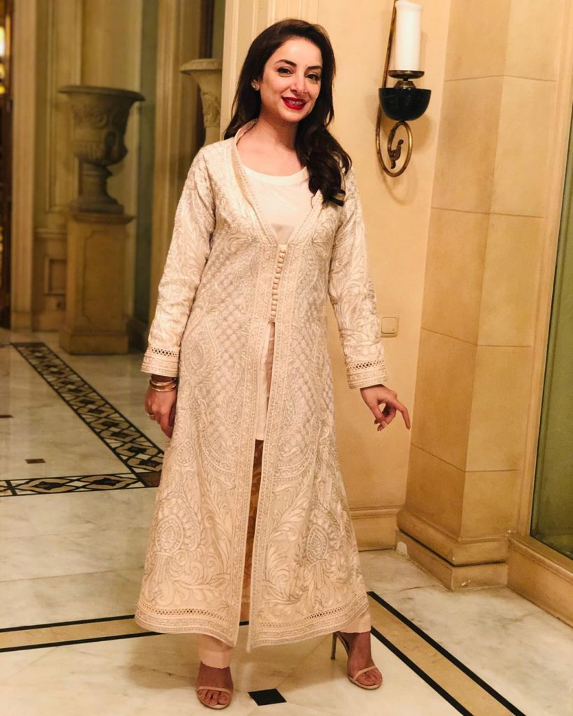 Elegant Shalwar Kameez that Sarwat Gilani Carried Gracefully