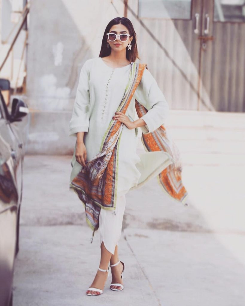 Sonya Hussyn's Love For Sun Glasses is Ultimate