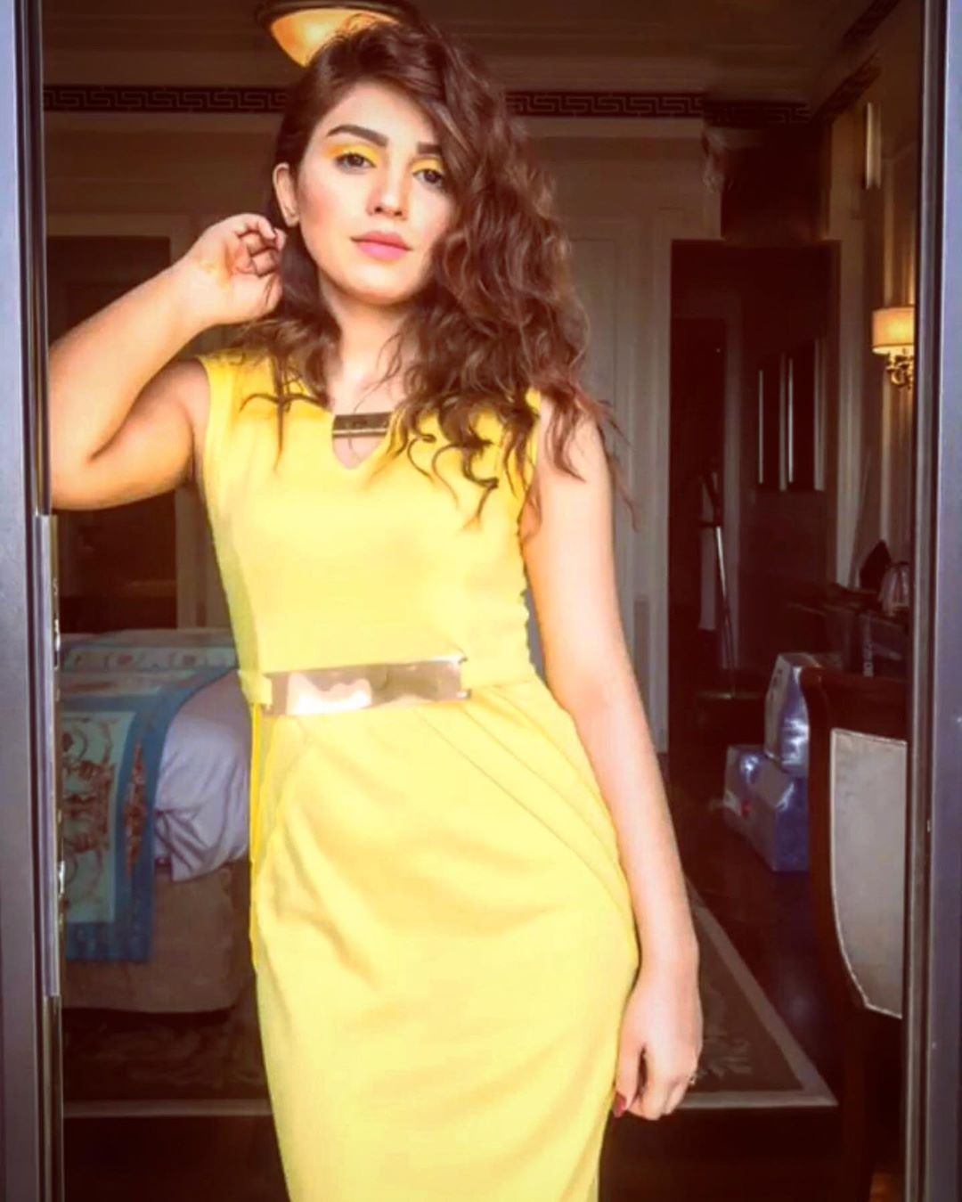 Actress Anumta Qureshi Beautiful Pictures from Instagram