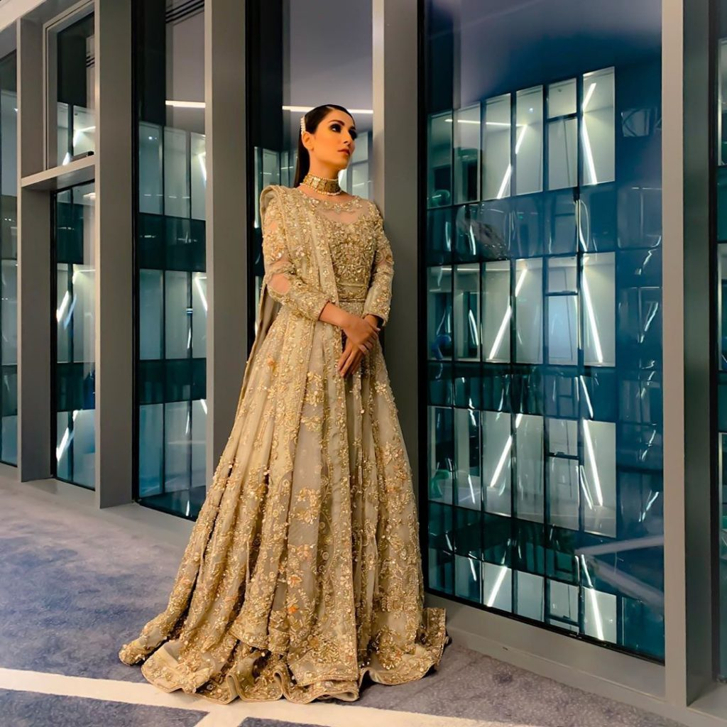 Awesome Ayeza Khan in Bridal Dress for PLBW 2019 11