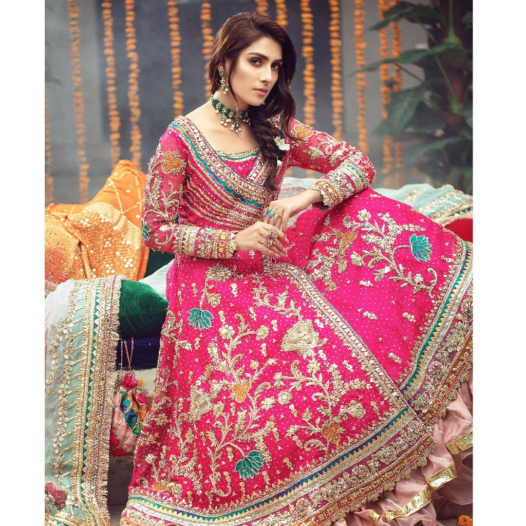 Ayeza Khan Bridal 10
